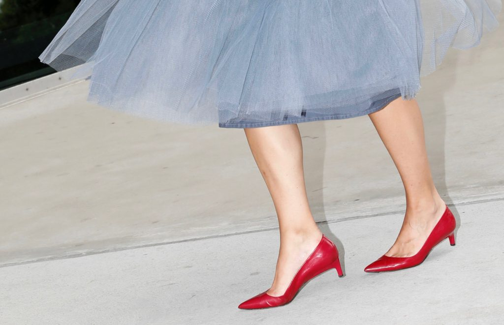 Tüllrock kombinieren zu roten Schuhen