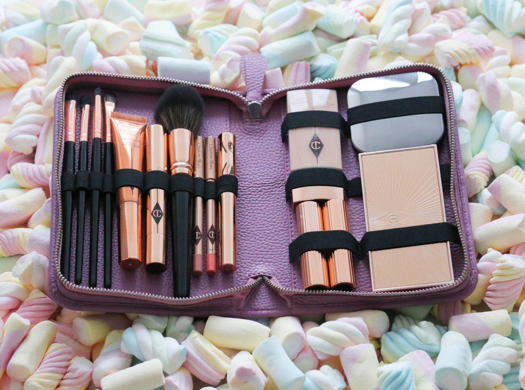 Schminktaschen Zwei Ledermäppchen für Make up. Eins für die Reise und eins für die Handtasche
