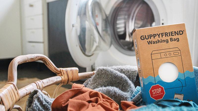 Nachhaltig waschen mit dem Guppyfriend Waschbeutel